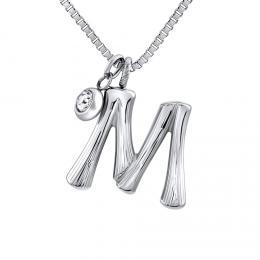 Náhrdelník s pøívìskem písmeno M z chirurgické oceli