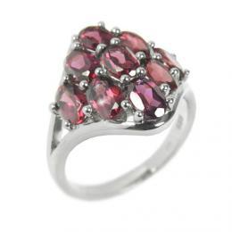 Stшнbrnэ atraktivnн prsten s polodrahokamem Granбt