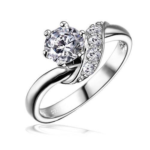 SILVEGO stříbrný decentní prstýnek se Swarovski(R) Crystals 5mm - zvětšit  obrázek 8c86611c9e2